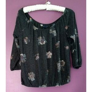 American eagle 3/4 sleeve floral gray blouse small